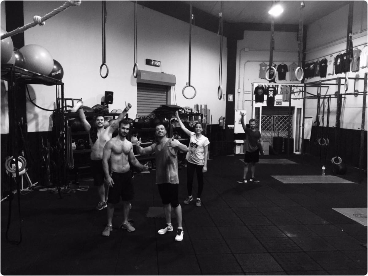 Wod CFS Box CrossFit Sevilla training compañeros leones