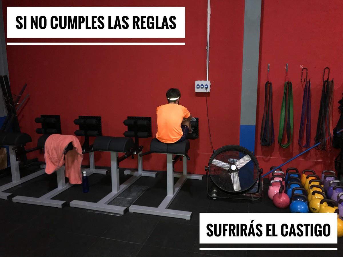 Wod CFS Box CrossFit Sevilla training cumple reglas castigo