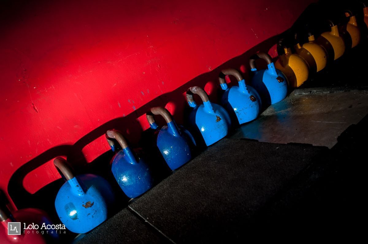 Wod CFS Box CrossFit Sevilla Leones training kettlebell
