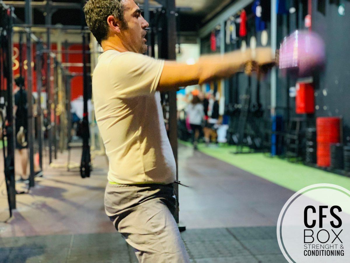 Wod CFS Box CrossFit Sevilla training lions kettlebell